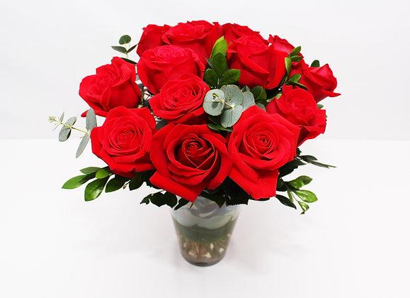 Arranjo Celebrar de Rosas Vermelhas