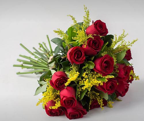 Buquê de 15 rosas vermelhas