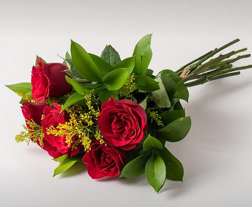 Buquê com 6 rosas vermelhas