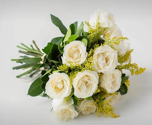 Buquê de 12 rosas brancas