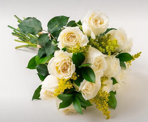 Buquê de 15 rosas brancas