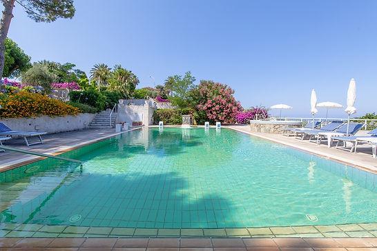 web piscina garden.jpg