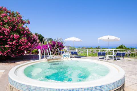 Thermal Jacuzzi Paradiso Garden Resort