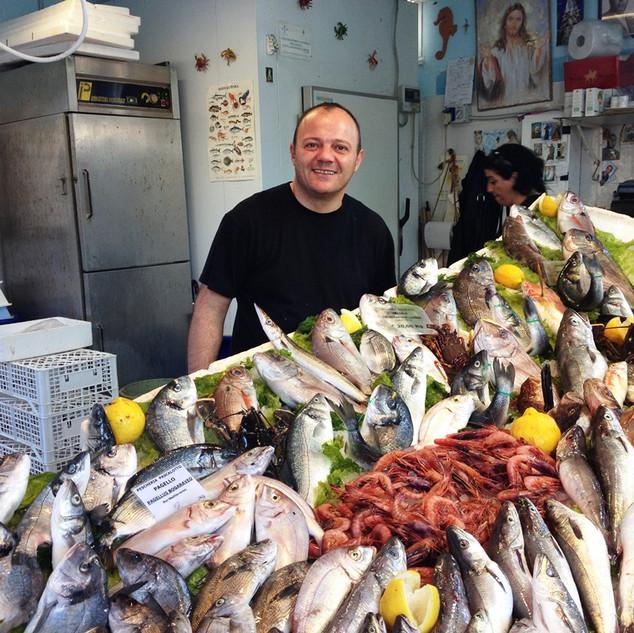Il mercato del Pesce a Forio