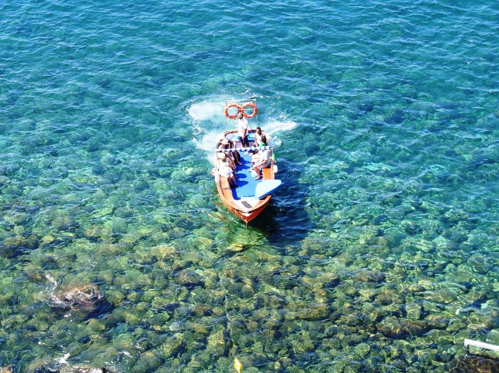 Baia di Sorgeto a due passi dal Paradiso Resort