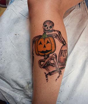 skeleton hallween.jpg