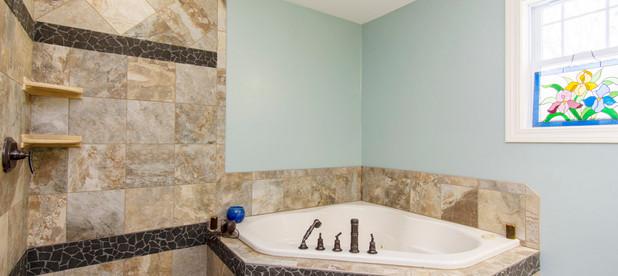 l-bathroom2.jpg