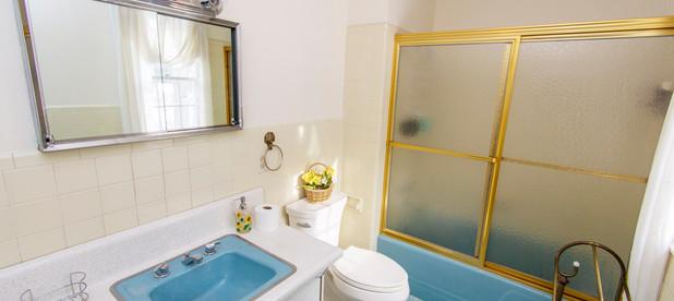 n-bathroom1.jpg