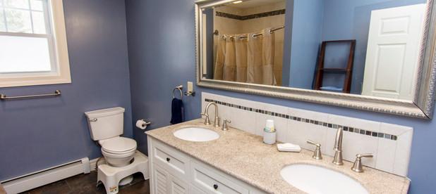 i-bathroom1.jpg