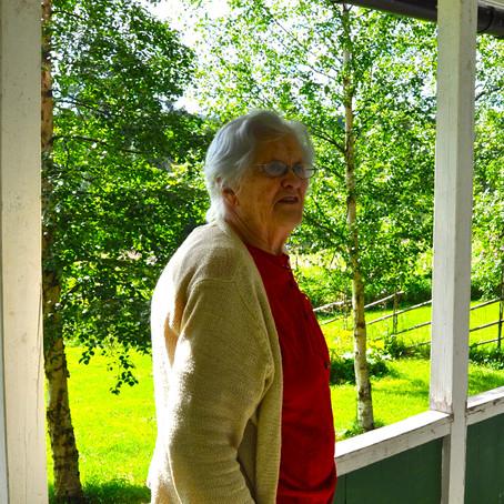 Astrid- Världens bästa mormor- Worlds best grandmother