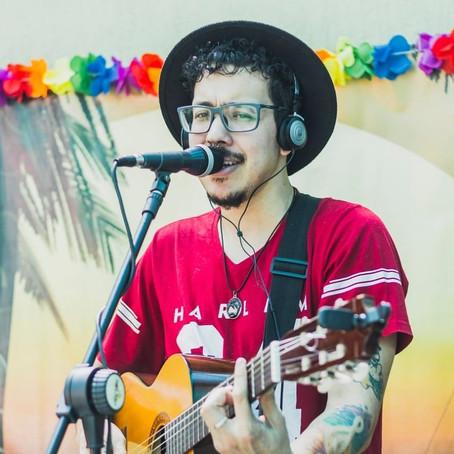Momento de Samba na apresentação em formato voz e violão (Evento realizado no Rio de Janeiro - RJ)
