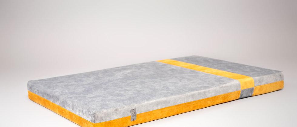2-sided! Velvet-look, orthopedic dog bed. Gold/platinum
