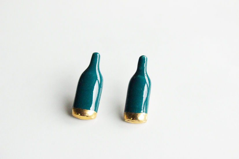 Caramel Ceramics Pair of WINE NOT studs