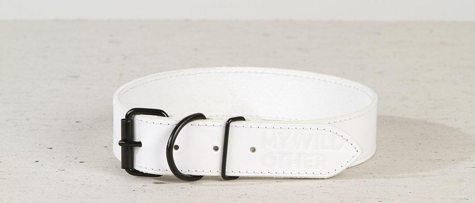 Full-grain, white leather dog collar