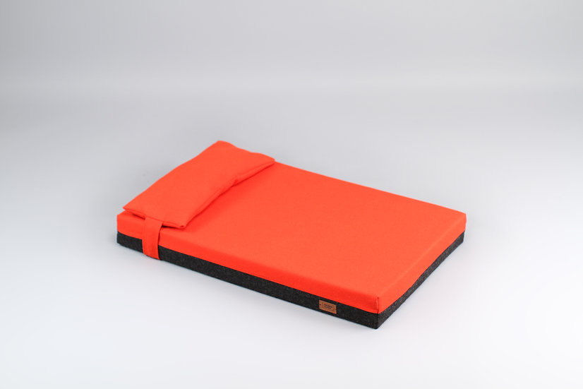 2-sided! Wool upholstered, orthopedic dog bed. Dark grey and orange