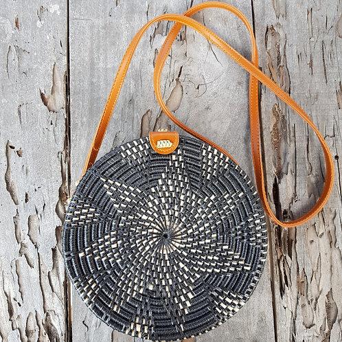 Rattan Bag Natural in black-star color