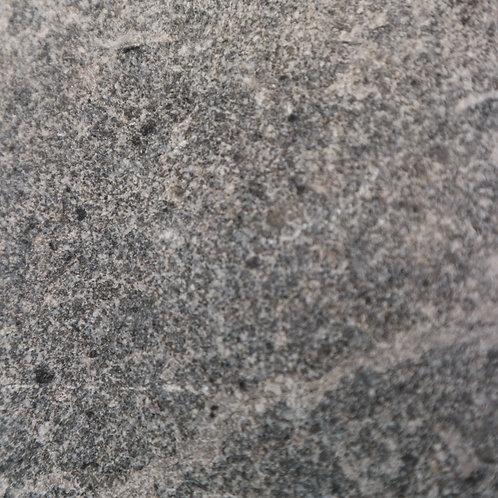 Andesyte Bakar (Burnt - Squared)