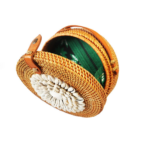 Rattan Bag with natural shells