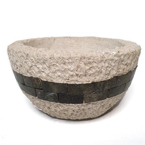 White terazzo pot with stone stripe