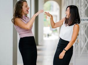 ใช้ภาษากายอย่างไรให้คุณได้เปรียบ เป็นผู้นำ และก้าวหน้าเร็ว