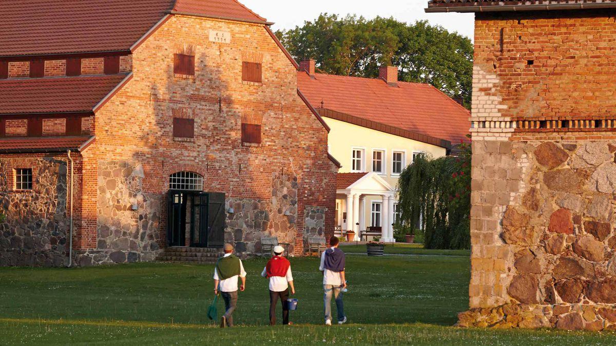 Alte Stallungen Gutshaus Stolpe