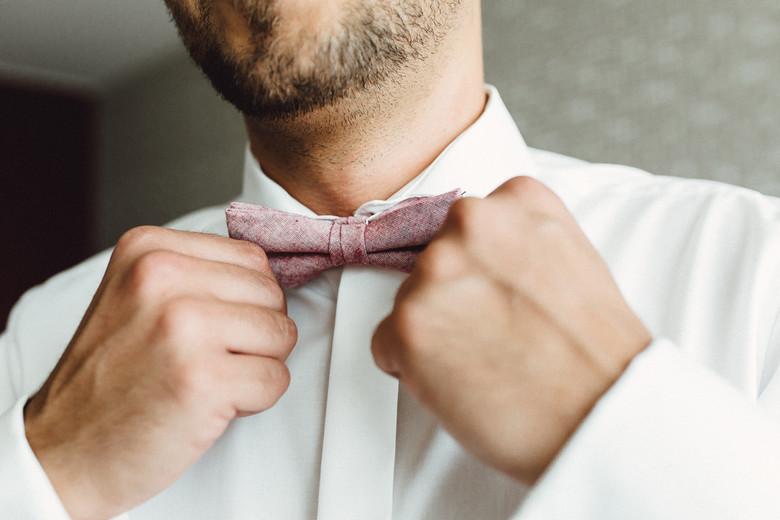 Detailaufnahme Krawatte des Bräutigams