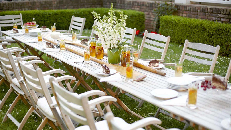 Essen im Garten Gutshaus Stolpe