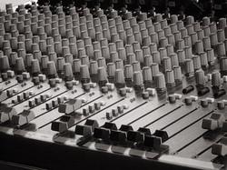SOUND SYSTEM & ENGINEER HIRE
