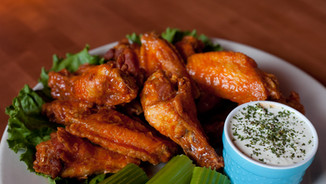 Tav's Famous Chicken Wings