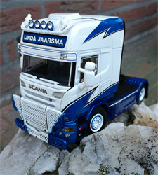 Linda Jaarsma Collectible