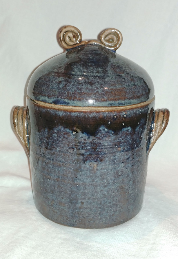 53. Pot with lid