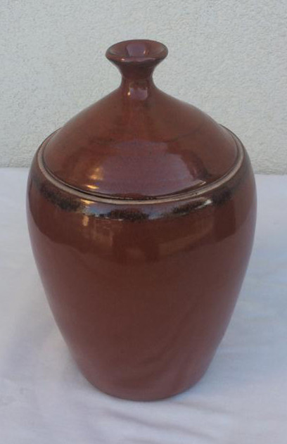 52. Pot with lid