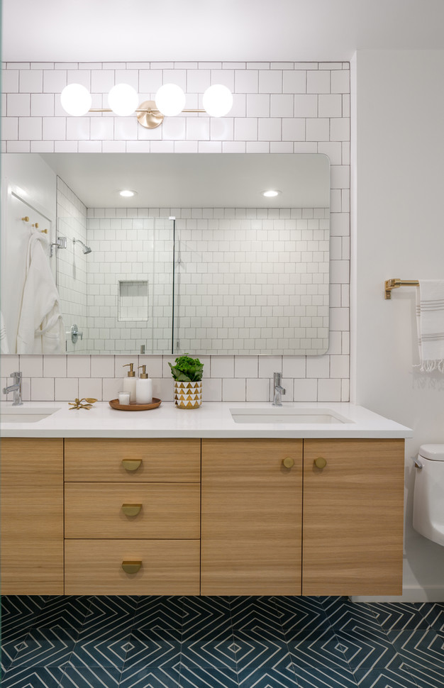 Reveal Bridlemile Midcentury Bathroom