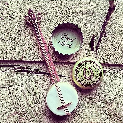 bottlecap banjo pin by American Tumbleweed