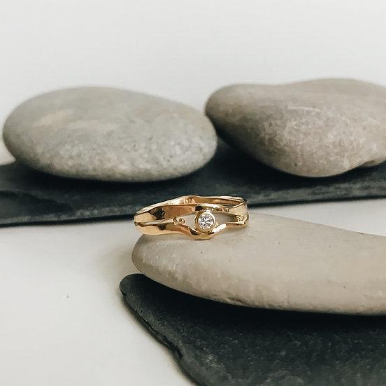 18ct Gold & Diamond Elm Ring