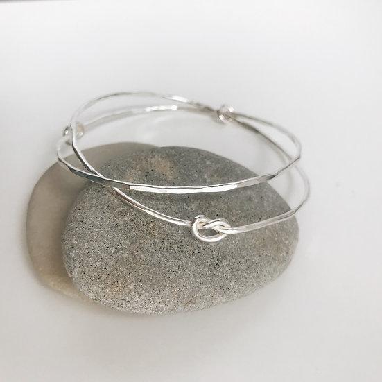 Pair of knot bangles