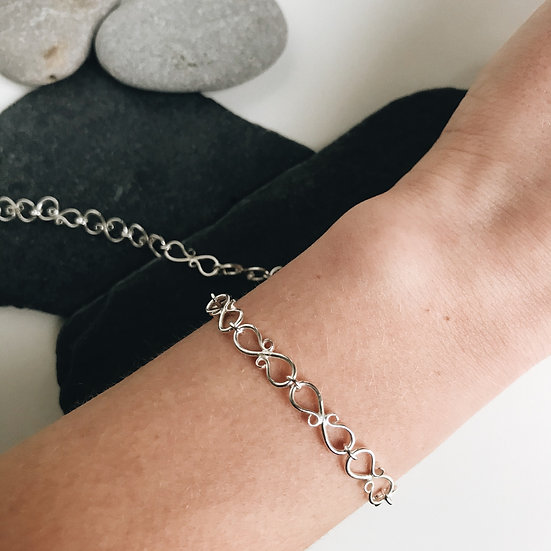 S Chain Bracelet