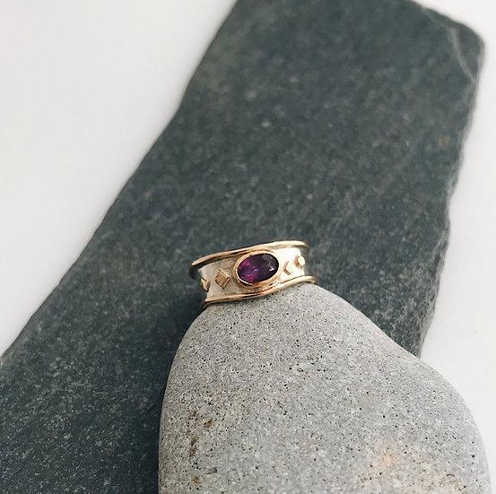 Amethyst Relic Ring