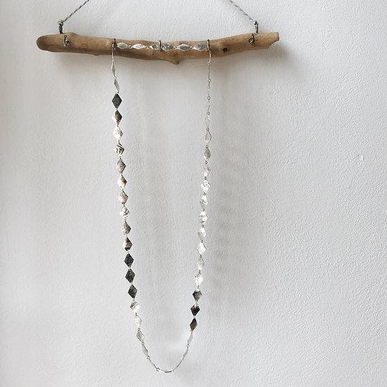 Long Harlequin Chain