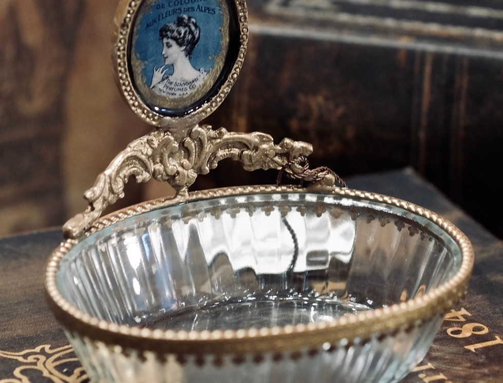 FRENCH GLASS SOAP TRAY