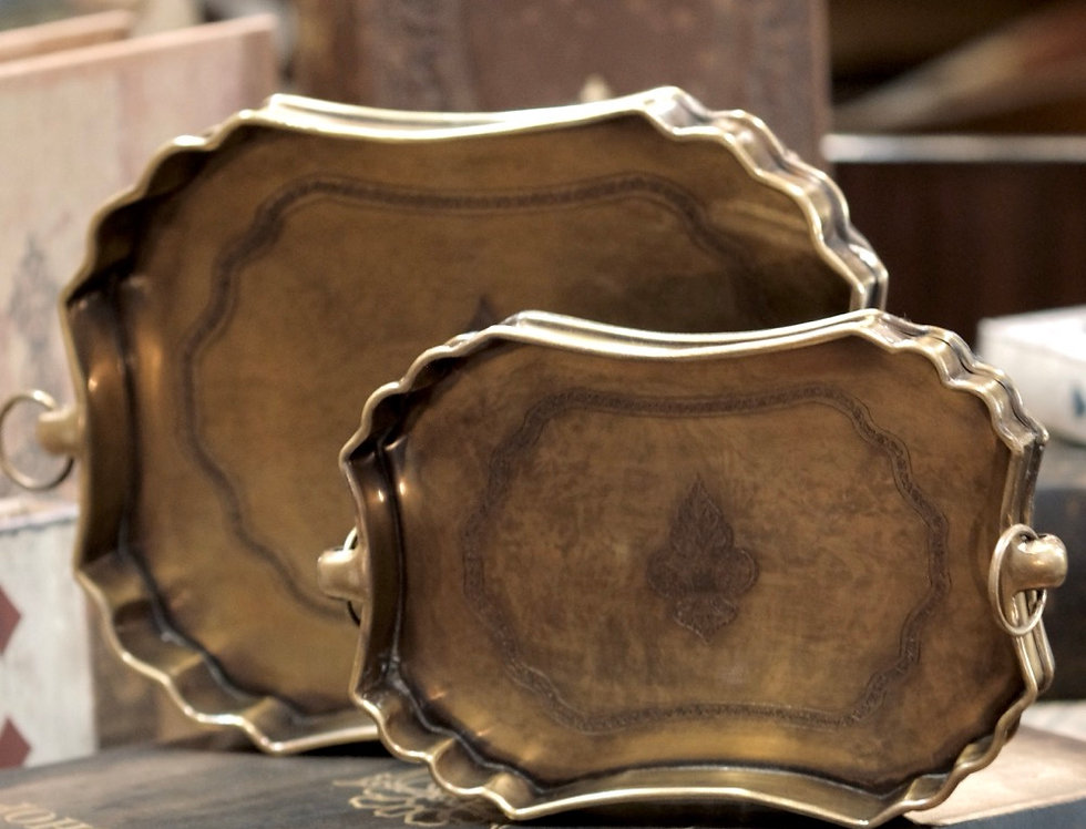 BRASS TRAY LILLY