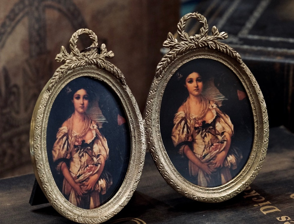 BRASS TWIN PICTURE FRAMES