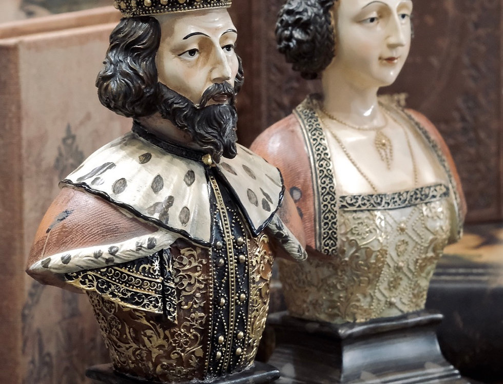 KINGDOM SCULPTURE - KING & QUEEN