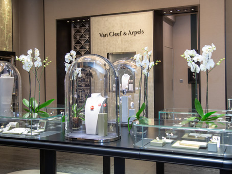Van Cleef & Arpels Showcases its Iconic Alhambra Creations