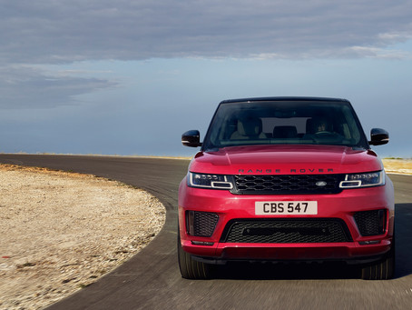 AUTOMOTIVE ENTHUSITS AWAITING THE REVEALE OF THE NEW 2018 RANGE ROVER SPORT IN THE MIDDLE EAST FOR T