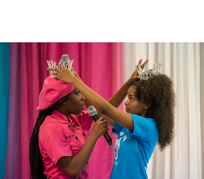 20190824-StreamChella-500 - queens.png