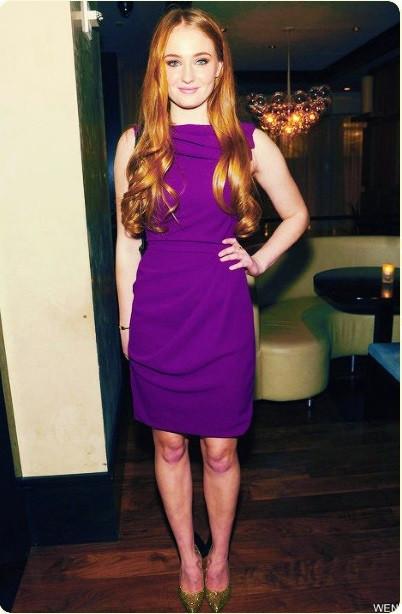 Sophie Turner purple dress.jpg