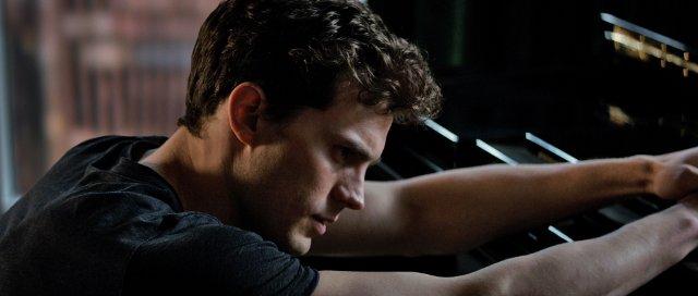 Christian Grey (Jamie Dornan).png