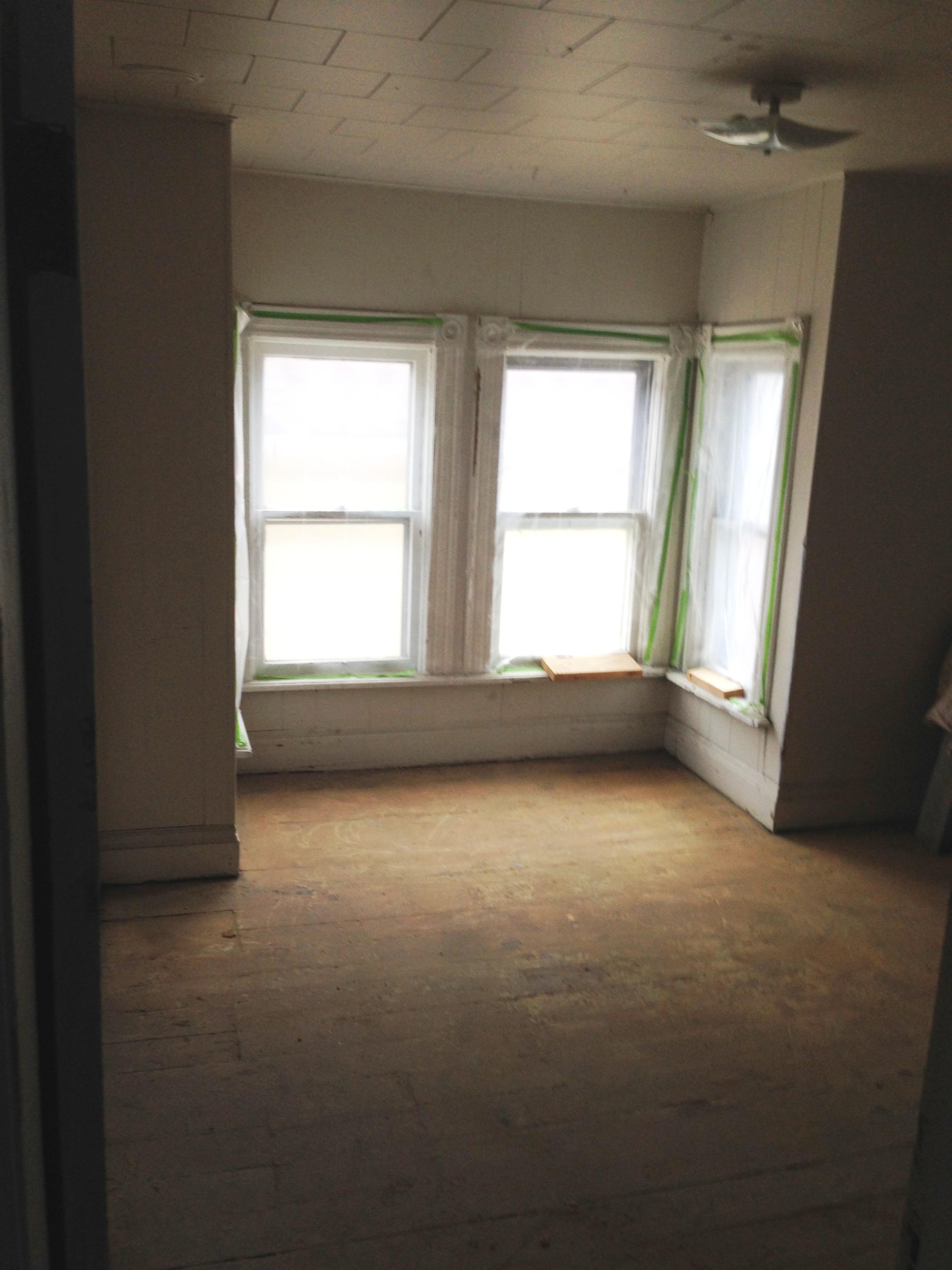 621 Up Bedroom or Living Room