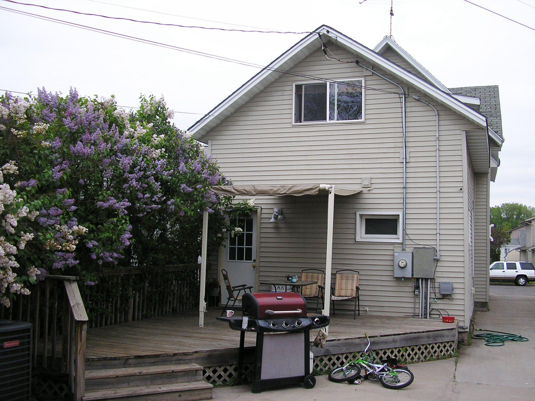 607 W 4th Back Deck